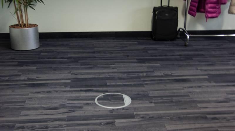 Absurd Teppich Im Holzdesign Notizen Aus Der Neidbranche - Fliesen die aussehen wie parkett